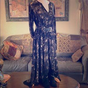 VERA WANG Hi-Low Dress